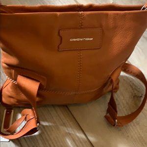 Piquadro rust leather crossbody 11 by 11